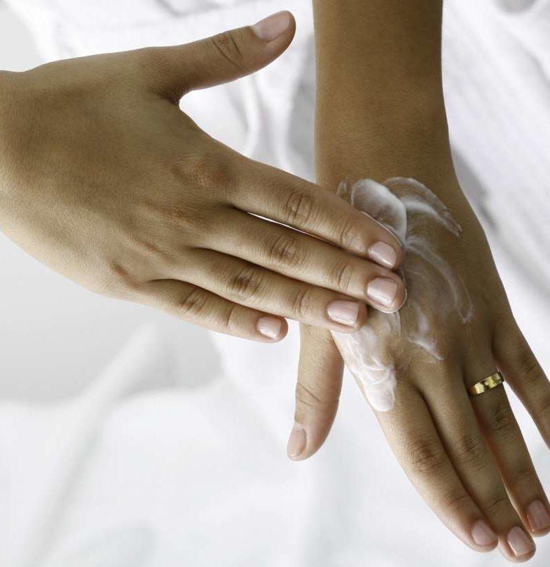8 best ways to treat dry hands